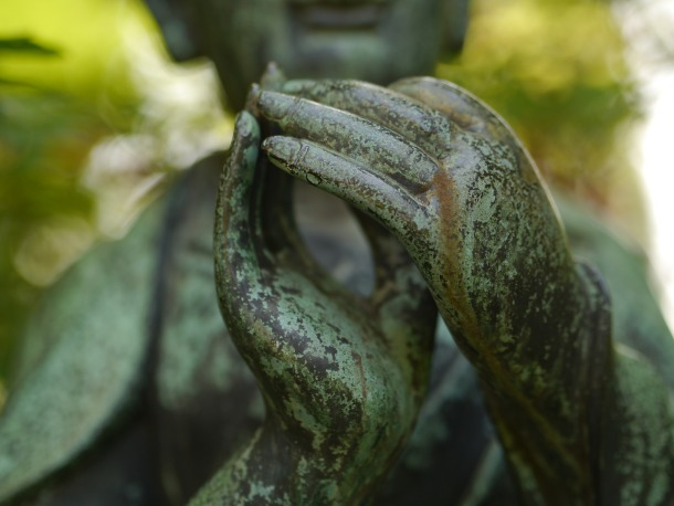 20160720_buddha_leverkusen_hands